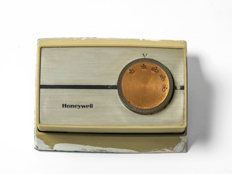 Honeywell thermostat, 1980s