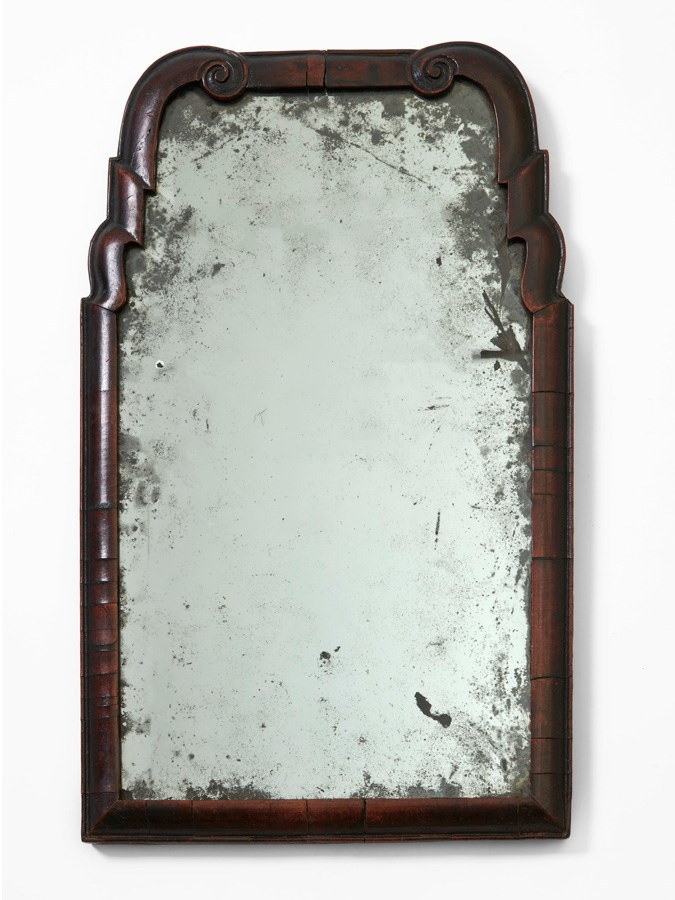 Walnut-framed mirror, made in England 1690-1710. Object number L 1165