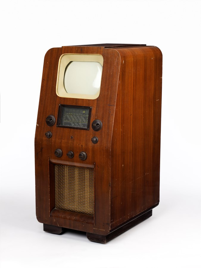 Marconiphone model 709, c.1938. Object number 23/1974-1